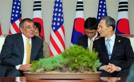 アジアで同盟国との合同軍事演習を強化=米国防長官_c0139575_451353.jpg