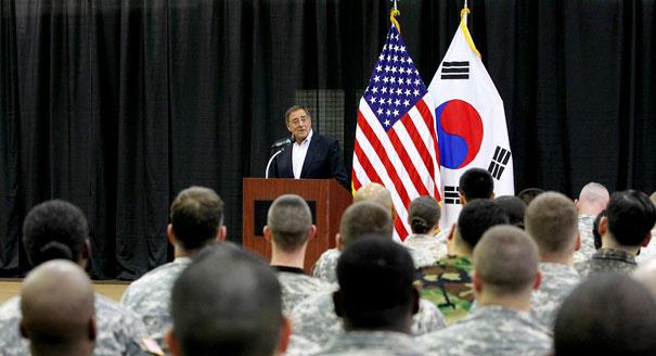 アジアで同盟国との合同軍事演習を強化=米国防長官_c0139575_5195733.jpg