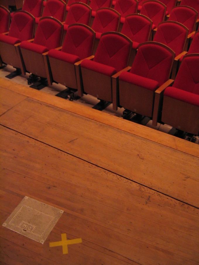 定期演奏会 舞台裏で~_b0187479_12571172.jpg