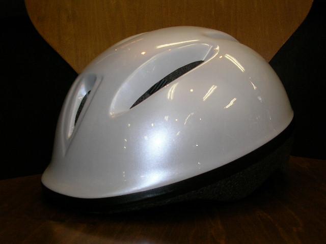 GIANTのヘルメットが入荷!(子供用)_b0189682_16285688.jpg