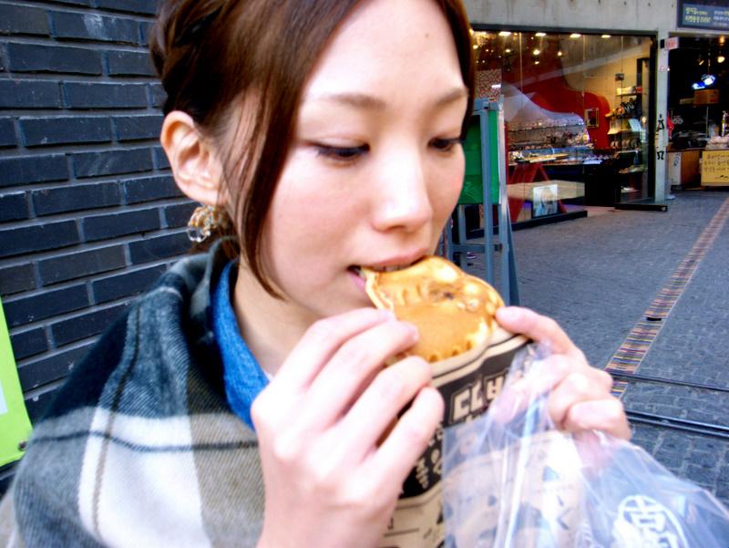 韓国2日目~食べ歩き~_f0230689_1473914.jpg