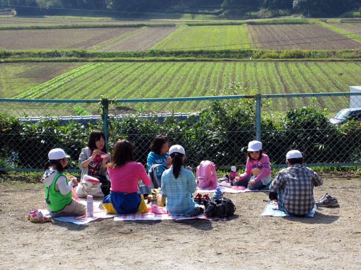 小学校秋の遠足 _b0145296_7295146.jpg