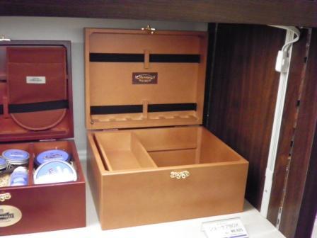 新しいシューケアボックスです_d0166598_1725487.jpg