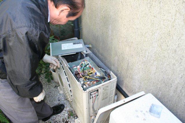 エアコンのクリーニング(東京都小平市)_e0207151_1774371.jpg