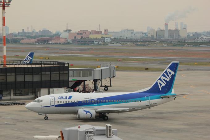 ANA 伊丹空港_d0202264_161957.jpg