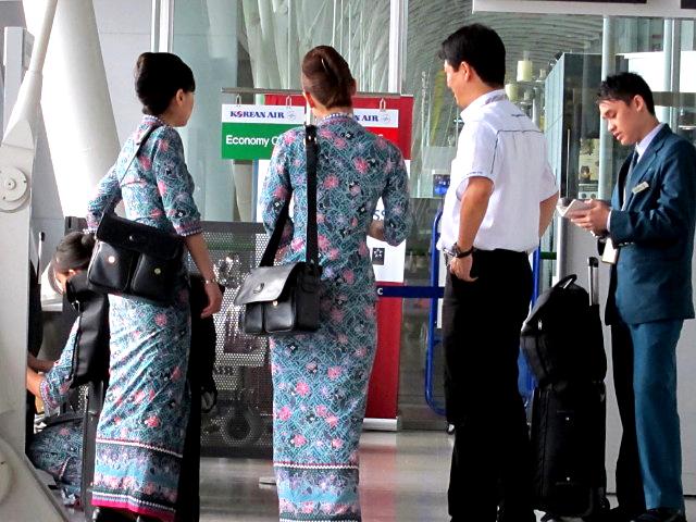「マレーシア航空 CA 美人」の画像検索結果