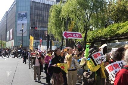 原発いらない福島の女たちのアクション_a0086851_3174330.jpg
