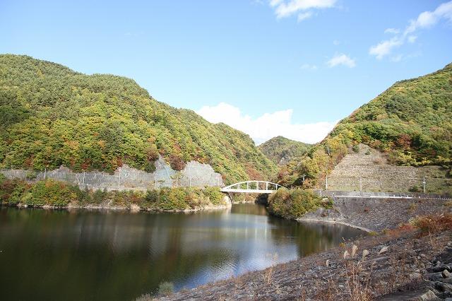 みずがき湖の紅葉いよいよ見頃に・・・_b0100253_18235611.jpg