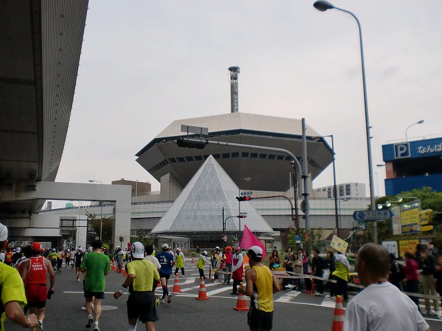 第一回 大阪マラソン 10月30日(日) RUN:42.195km_b0176192_21324925.jpg