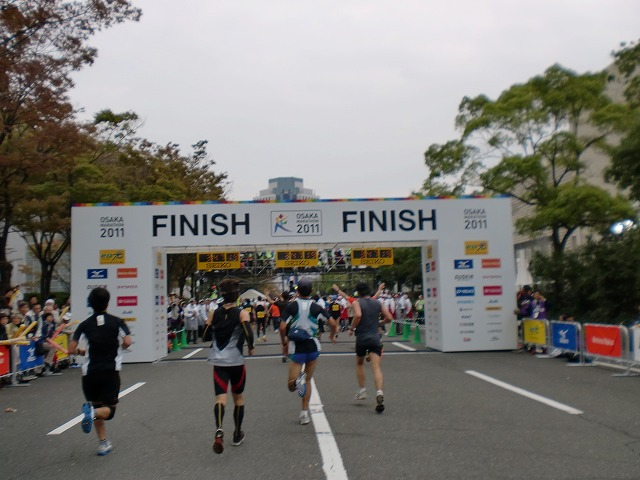第一回 大阪マラソン 10月30日(日) RUN:42.195km_b0176192_23145723.jpg