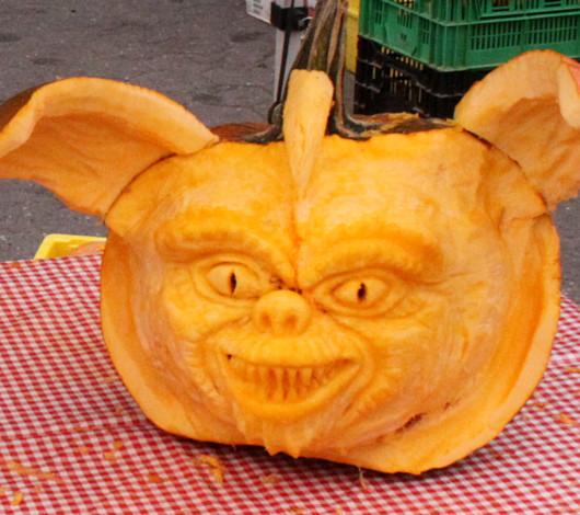 ニューヨークのハロウィン風景 かぼちゃいっぱい青空市場_b0007805_23465261.jpg