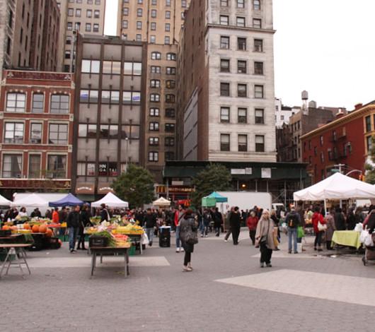 ニューヨークのハロウィン風景 かぼちゃいっぱい青空市場_b0007805_23494396.jpg