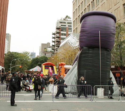 ニューヨークのハロウィン風景 ワシントン・スクエア公園_b0007805_23573742.jpg