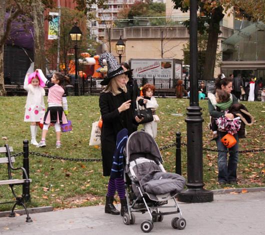 ニューヨークのハロウィン風景 ワシントン・スクエア公園_b0007805_2359181.jpg