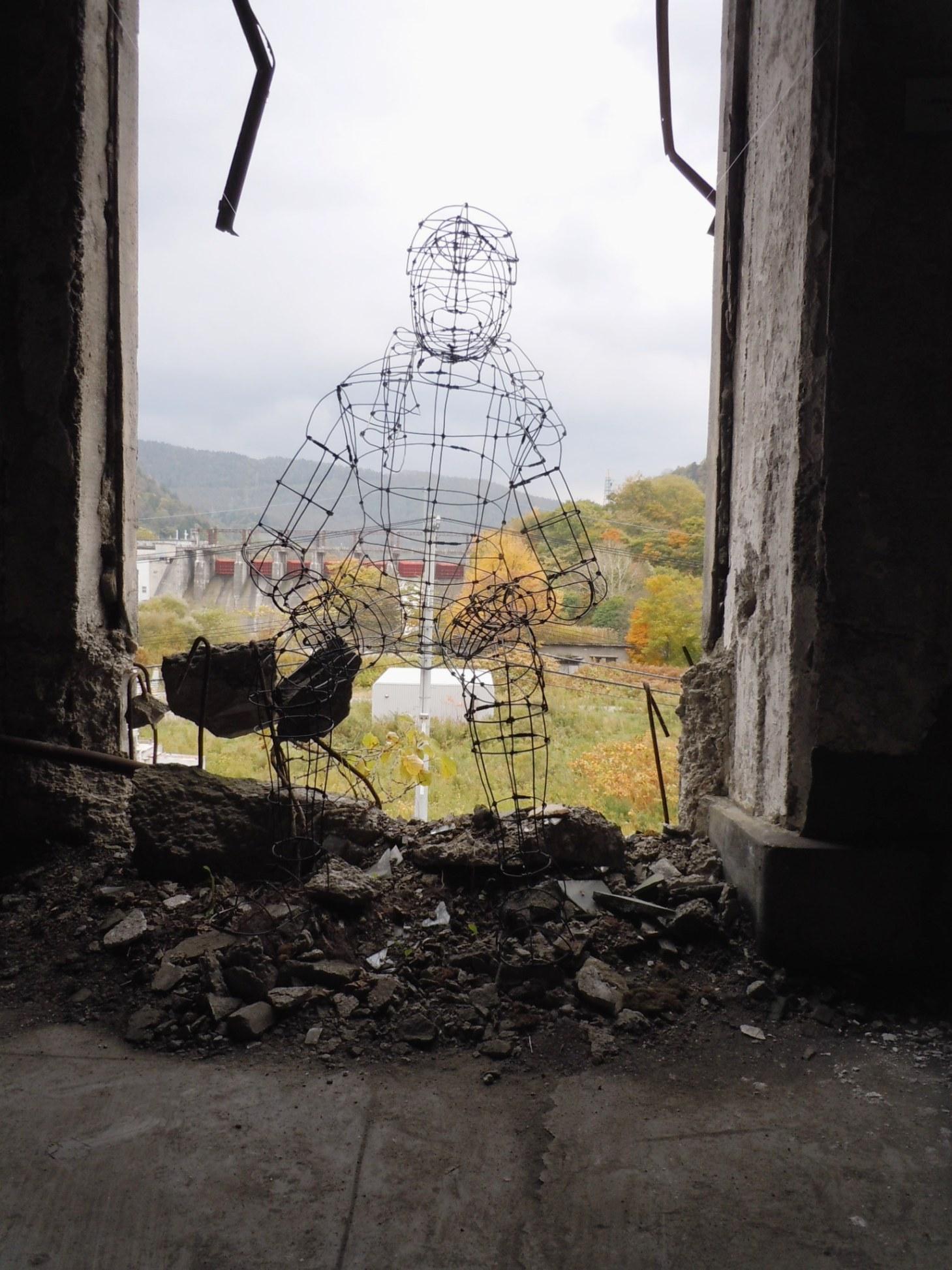 1600)夕張 ③「夕張清水沢アートプロジェクト 旧火力発電所2階の様子」 終了9月17日(土)~10月16日(日)_f0126829_9513048.jpg