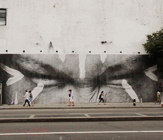ニューヨークの街角で急増中の白黒ポートレート写真アート Inside Out Project_b0007805_11154096.jpg