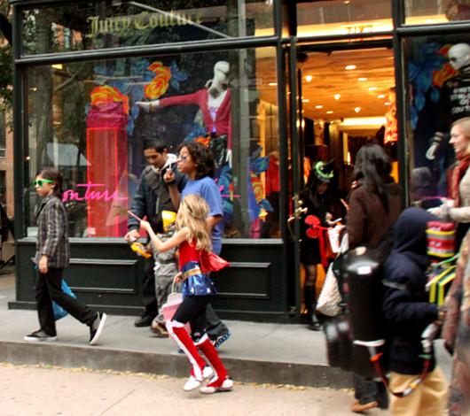 ニューヨークのハロウィン風景 ブリーカー通り沿い_b0007805_141318.jpg
