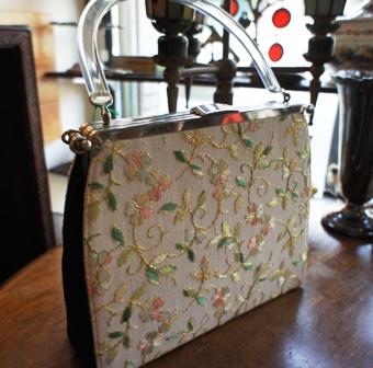 ゴブラン織りのヴィンテージバッグ セール始めました。_f0196455_15524944.jpg