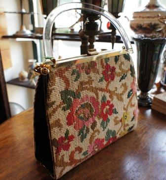 ゴブラン織りのヴィンテージバッグ セール始めました。_f0196455_1553153.jpg