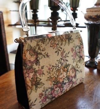 ゴブラン織りのヴィンテージバッグ セール始めました。_f0196455_15532524.jpg
