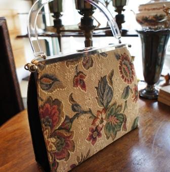 ゴブラン織りのヴィンテージバッグ セール始めました。_f0196455_1553356.jpg