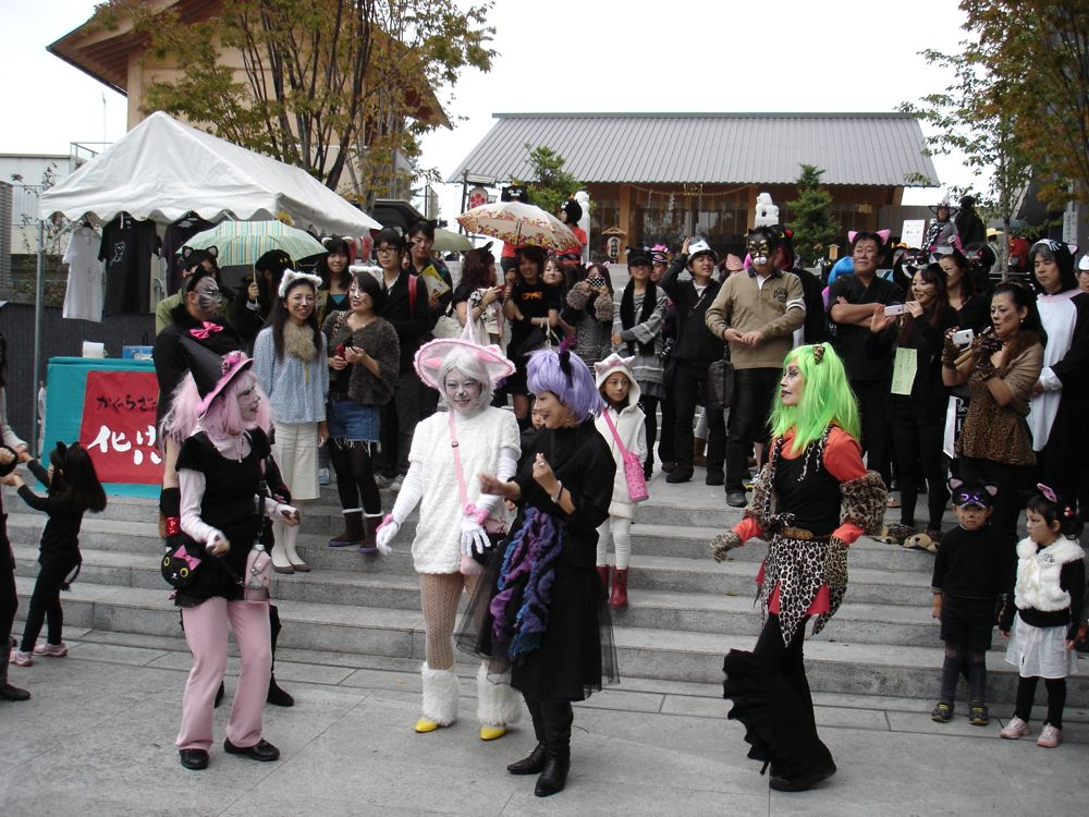 「化け猫パレード大作戦」_a0037338_8231941.jpg