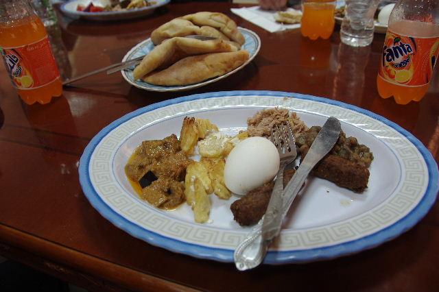 【スーダン周遊】 昼食、そして、ナイル川第6カタラクトへ_c0011649_0111484.jpg