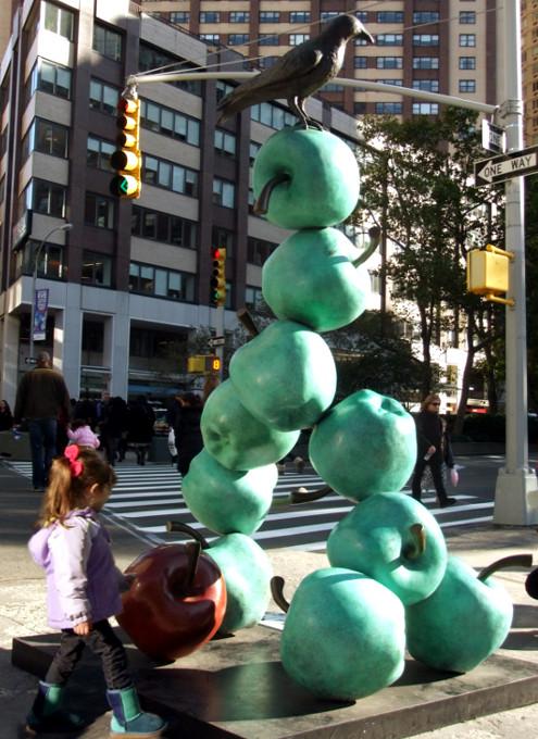NYブロードウェイの59~168丁目間でパブリック・アート展 Peter Woytuk on Broadway_b0007805_13393868.jpg