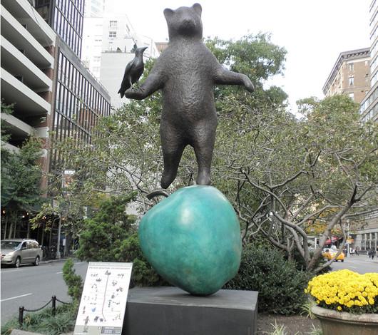 NYブロードウェイの59~168丁目間でパブリック・アート展 Peter Woytuk on Broadway_b0007805_13461381.jpg