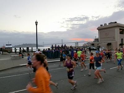 NWM2011 ナイキ ウィメンズ マラソン2011 その2(Start-7km)_d0113725_23121670.jpg
