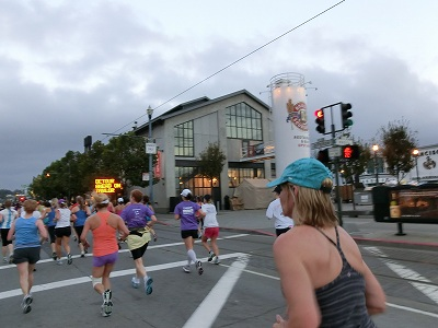 NWM2011 ナイキ ウィメンズ マラソン2011 その2(Start-7km)_d0113725_23474186.jpg