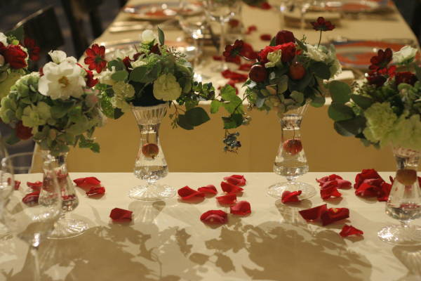 シェ松尾青山サロン様の装花 紅葉と、赤でかわいく_a0042928_18573566.jpg