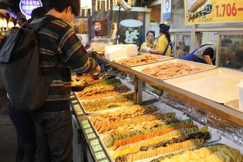 孔徳市場(コンドッシジャン)のチヂミ横丁_a0223786_16343663.jpg