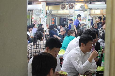 孔徳市場(コンドッシジャン)のチヂミ横丁_a0223786_16484421.jpg