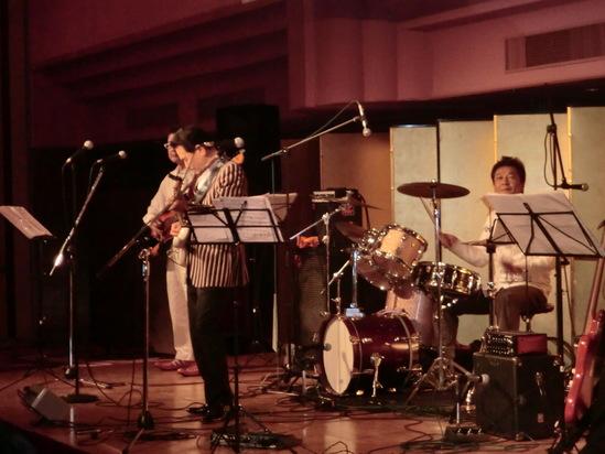 横浜ローズホテルでパーティーライブ_e0119092_12285199.jpg