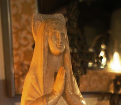ルルドのマリア像_f0196455_16272525.jpg