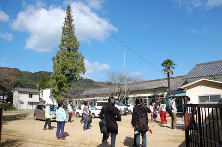 岬高校第1学年植樹サポート in 孝子の森_c0108460_18422222.jpg