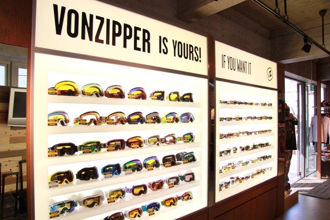 渋谷キャットストリートにvonzipper store open_c0151965_2201440.jpg