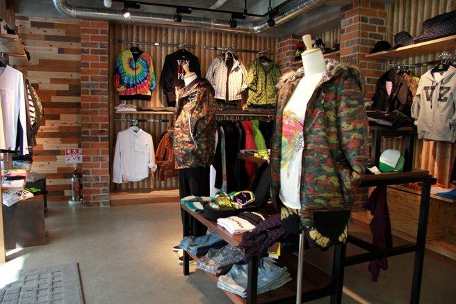 渋谷キャットストリートにvonzipper store open_c0151965_221279.jpg