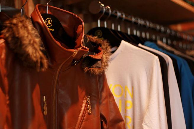 渋谷キャットストリートにvonzipper store open_c0151965_2212989.jpg