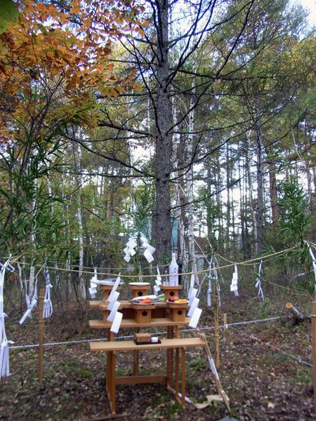 森の中の地鎮祭_d0021969_18481618.jpg