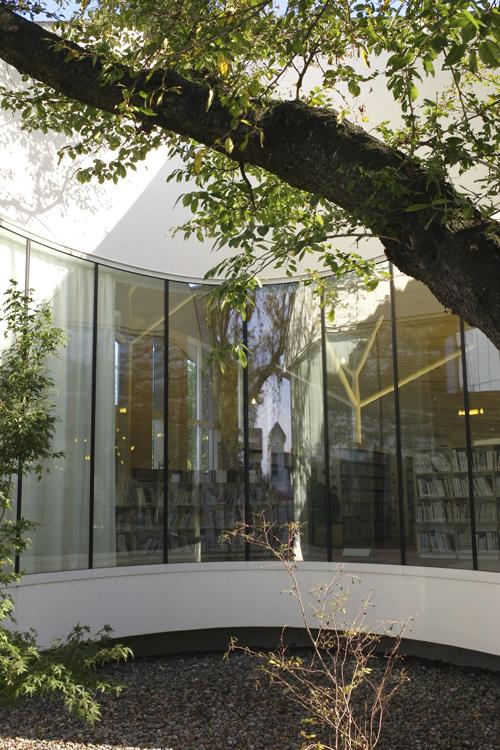 小布施町立図書館「まちとしょテラソ」_e0203309_20493085.jpg