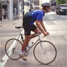 「自転車は車道」のルールどう思う?自転車の交通事故死傷者が増加心配。ヒヤッと!が最近多くなりました_d0082356_824930.jpg