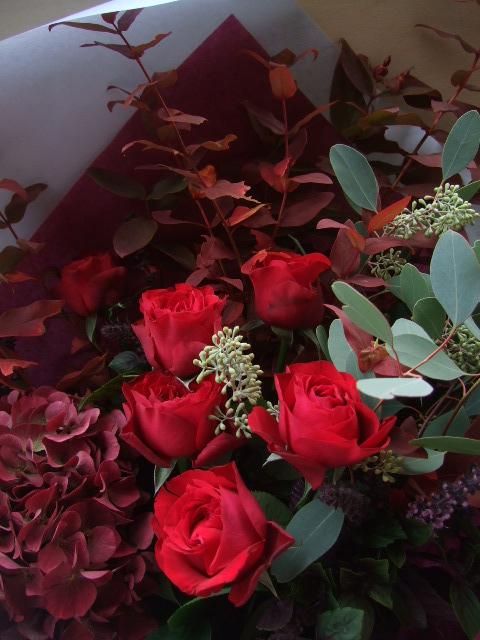 オークリーフ(赤い紫陽花をお誕生日に束ねて・・・)_f0049672_1425766.jpg