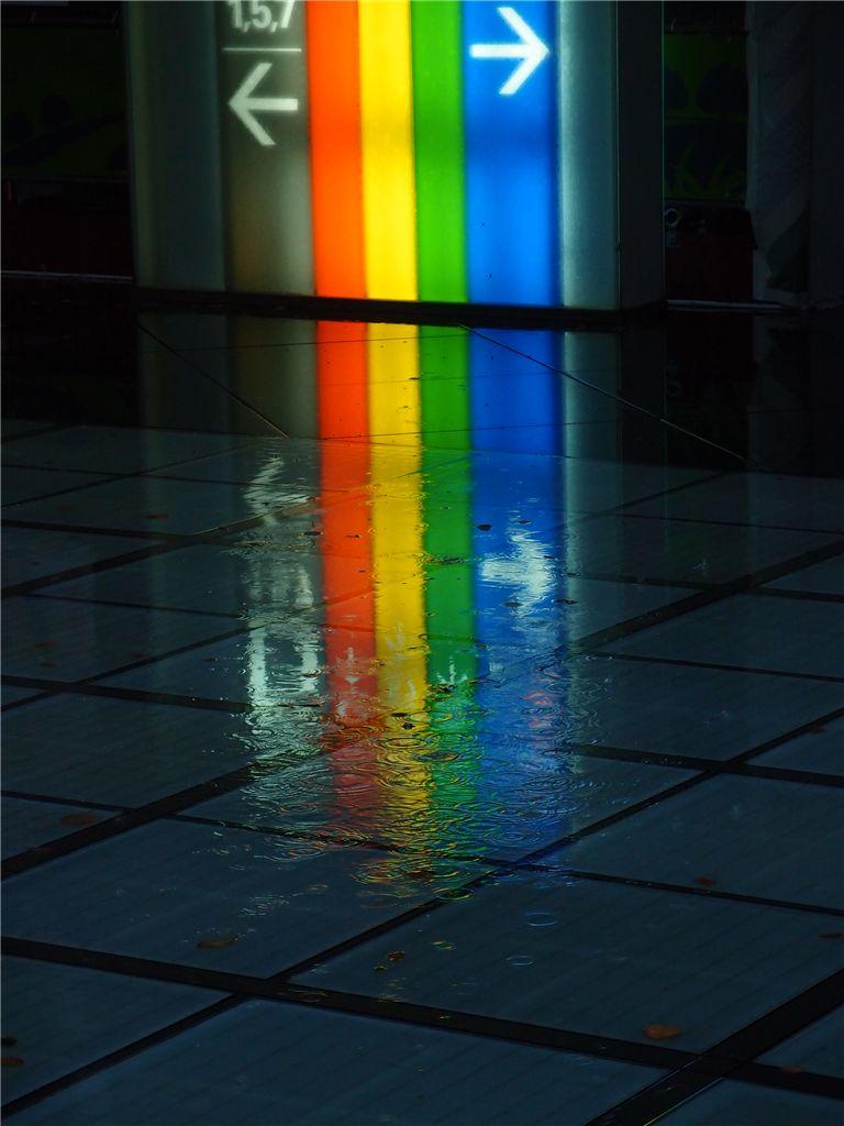 反射で遊ぶ 雨の有楽町_f0224100_081921.jpg