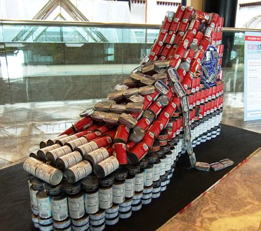 今年も缶詰アートのカンストラクション開催中 Canstruction_b0007805_12324425.jpg
