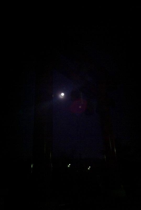 月明かりの中 樽前神社に願掛けに 早朝5時前 _a0160581_6495237.jpg