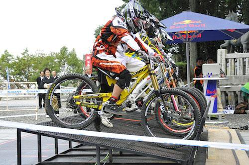 Red Bull Holly Ride_b0183681_18404610.jpg