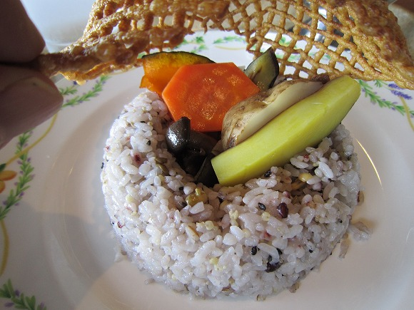 六甲ビューパレス / 景色が料理を美味しくする_e0209787_20222921.jpg