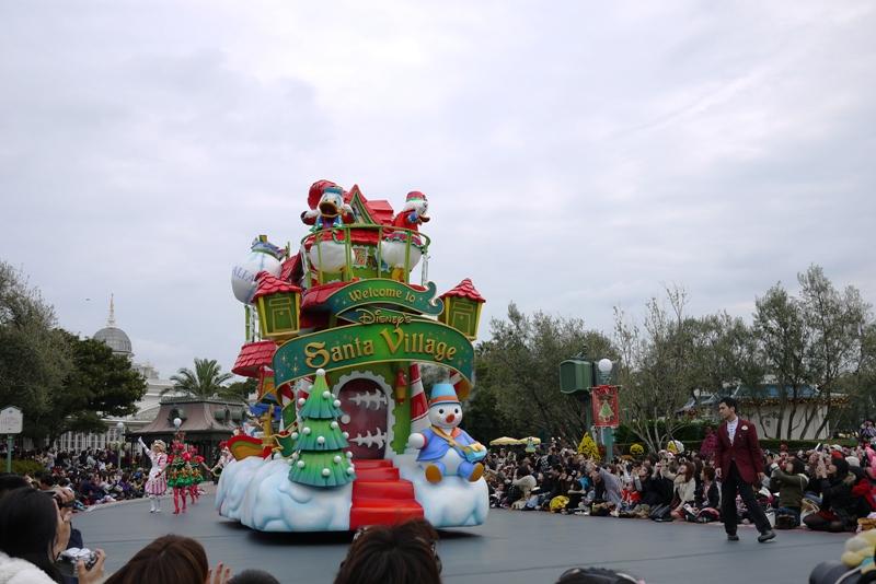Tokyo Disneyland ~サンタヴィレッジ・パレード~_a0127090_1212329.jpg